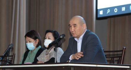 В КГМА прошла встреча декана факультета лечебного дела №1 с первокурсниками