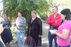 Представители КГМА оказали помощь постояльцам Бишкекского учреждения для пожилых людей