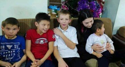 Студенты КГМА посетили детский дом в селе Кара-Жыгач Аламудунского района